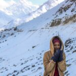 Why Yeti Mitts Is The Best Snow Gloves For Your Winter Vacation
